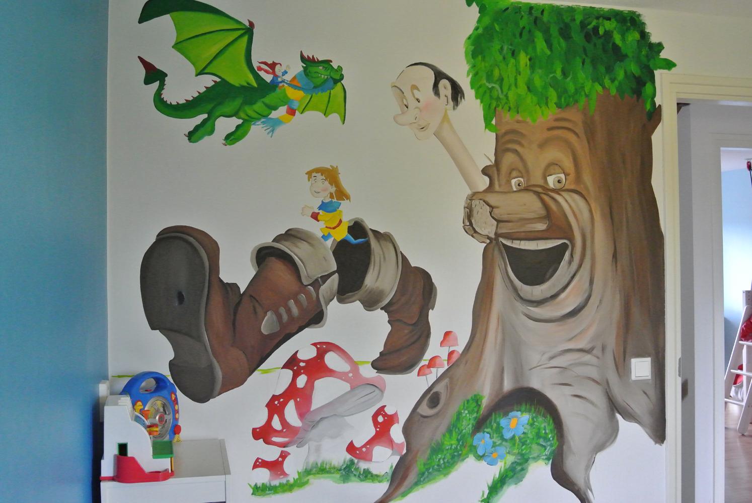 muurschildering Sprookjesboom muurschildering laten maken voor bedrijf kinderkamer babykamer omgeving Groningen Drenthe Friesland Hoogeveen Janet Edens