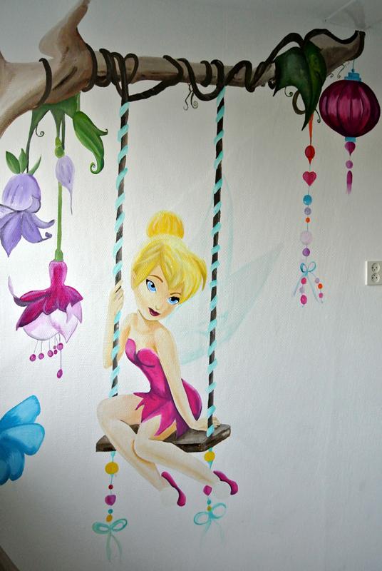 Tinkerbell kinderkamer muurschildering laten maken voor bedrijf kinderkamer babykamer omgeving Groningen Drenthe Friesland Hoogeveen Janet Edens